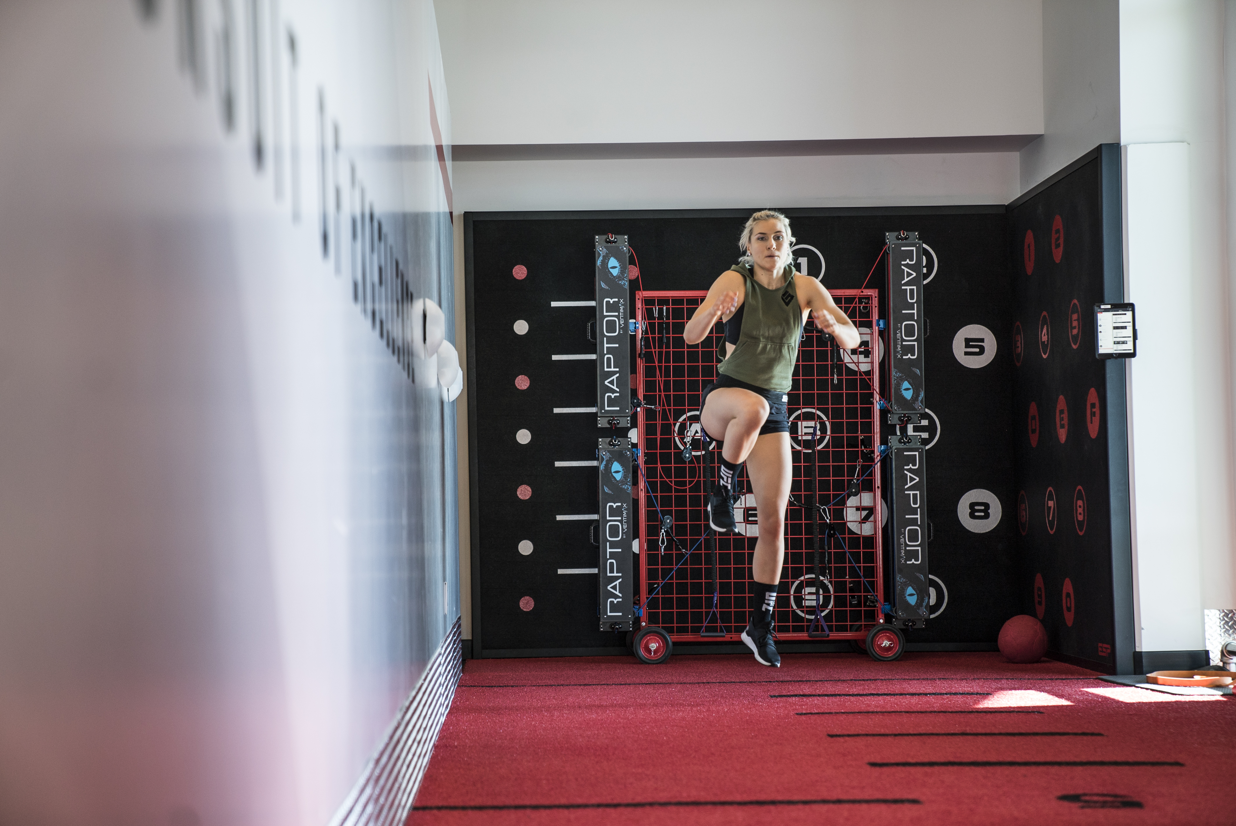 Yana Kunitskaya training at the UFC PI November 2019
