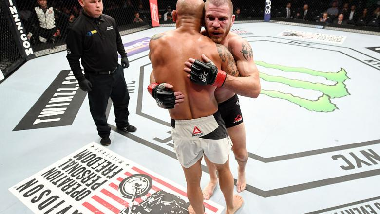 NEW YORK, NY - NOVEMBER 12:  Jim Miller of the United States (right) wins by unanimous decision over Thiago Alves of Brazil in their lightweight bout during the UFC 205 event at Madison Square Garden on November 12, 2016 in New York City.  (Photo by Jeff