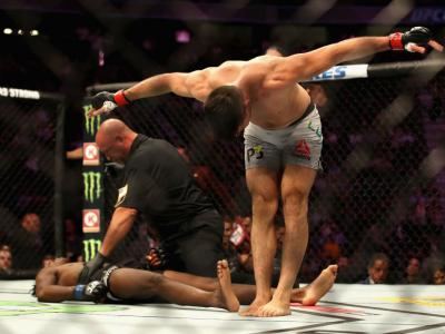 LAS VEGAS, NV - OCTOBER 06:  Vicente Luque takes a bow after knocking out Jalin Turner in their welterweight bout during the UFC 229 event inside T-Mobile Arena on October 6, 2018 in Las Vegas, Nevada.  (Photo by Christian Petersen/Zuffa LLC/Zuffa LLC)