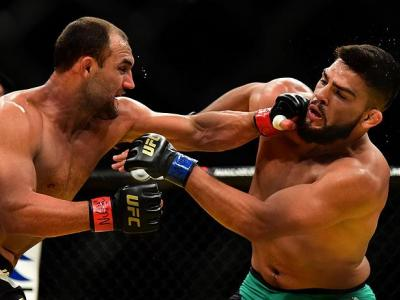 LAS VEGAS, NV - JULY 09: (L-R) Johny Hendricks punches Kelvin Gastelum in their welterweight bout during the UFC 200 event on July 9, 2016 at T-Mobile Arena in Las Vegas, Nevada.  (Photo by Harry How/Zuffa LLC/Zuffa LLC via Getty Images) *** Local Caption