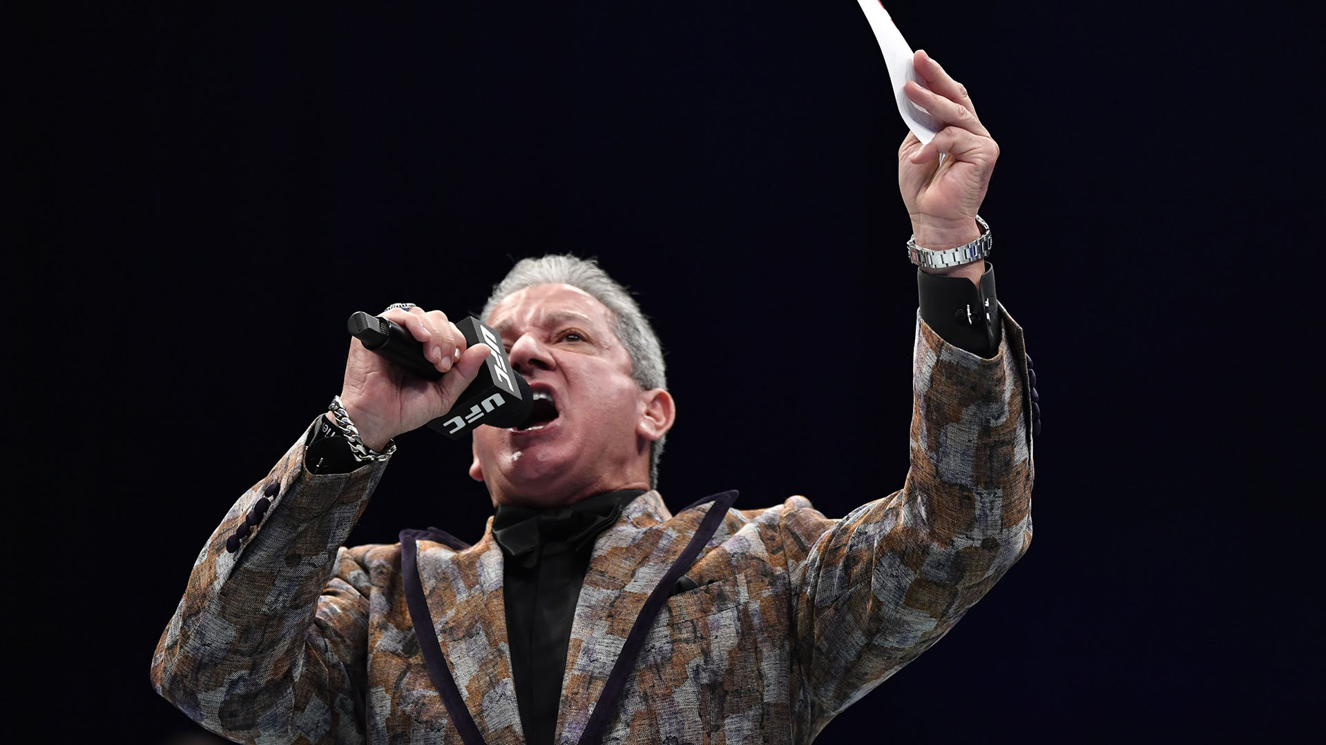 Octagon announcer Bruce Buffer introduces the main event during the UFC Fight Night event at Etihad Arena on UFC Fight Island on January 17, 2021 in Abu Dhabi, United Arab Emirates. (Photo by Jeff Bottari/Zuffa LLC)