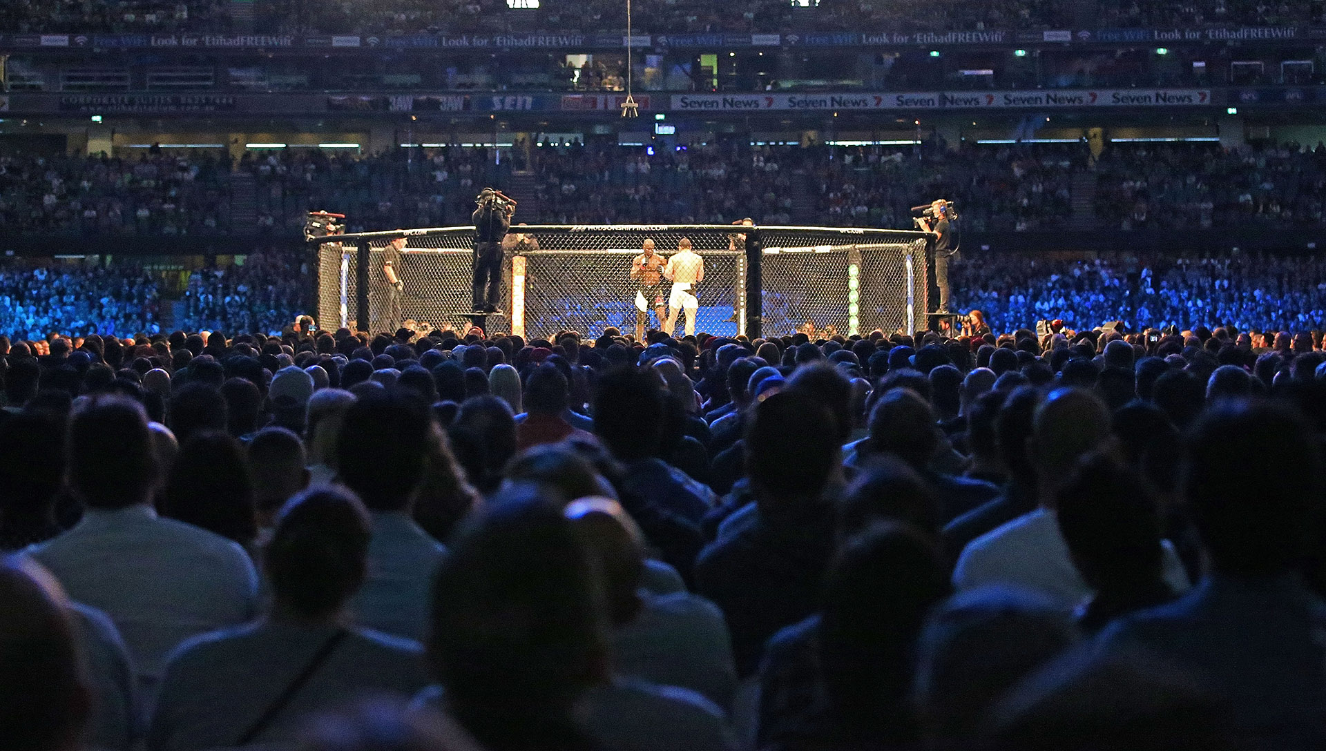 A general view as Robert Whittaker of New Zealand and Uriah Hall of Jamaica compete in their middleweight bout during the UFC 193 event at Etihad Stadium on November 15, 2015 in Melbourne, Australia. (Photo by Scott Barbour /Zuffa LLC/Zuffa LLC via Getty Images)