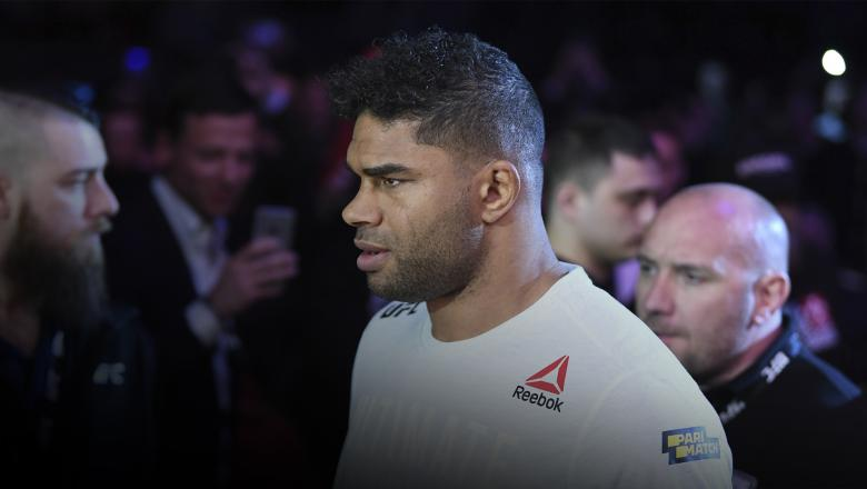 SAINT PETERSBURG, RUSSIA - APRIL 20: Alistair Overeem of The Netherlands prepares to enter the Octagon prior to his heavyweight bout against Aleksei Oleinik of Russia during the UFC Fight Night event at Yubileyny Sports Palace on April 20, 2019 in Saint Petersburg, Russia. (Photo by Jeff Bottari/Zuffa LLC/Zuffa LLC via Getty Images)