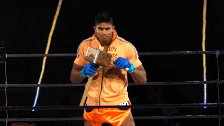 Alistair Overeem Entering the Arena during Pride Grand Prix 2005 - Final Round - Match - August 28,2005 at Saitama Super Arena in Saitama, Saitama Super Arena, Japan. (Photo by Tomokazu Tazawa/Getty Images)