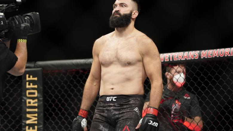 Andrei Arlovski of Belarus prepares to fight Philipe Lins of Brazil in their heavyweight bout during the UFC Fight Night Event at VyStar Veterans Memorial Arena on May 13, 2020 in Jacksonville, Florida. (Photo by Cooper Neill/Zuffa LLC via Getty Images)