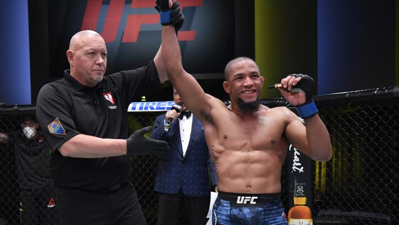 Tony Gravely reacts after his victory over Geraldo de Freitas in a bantamweight fight during the UFC Fight Night event at UFC APEX on November 14, 2020 in Las Vegas, Nevada. (Photo by Jeff Bottari/Zuffa LLC)