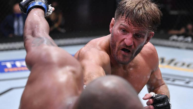 Stipe Miocic punches Daniel Cormier in their UFC heavyweight championship bout during the UFC 252 event at UFC APEX on August 15, 2020 in Las Vegas, Nevada. (Photo by Jeff Bottari/Zuffa LLC)