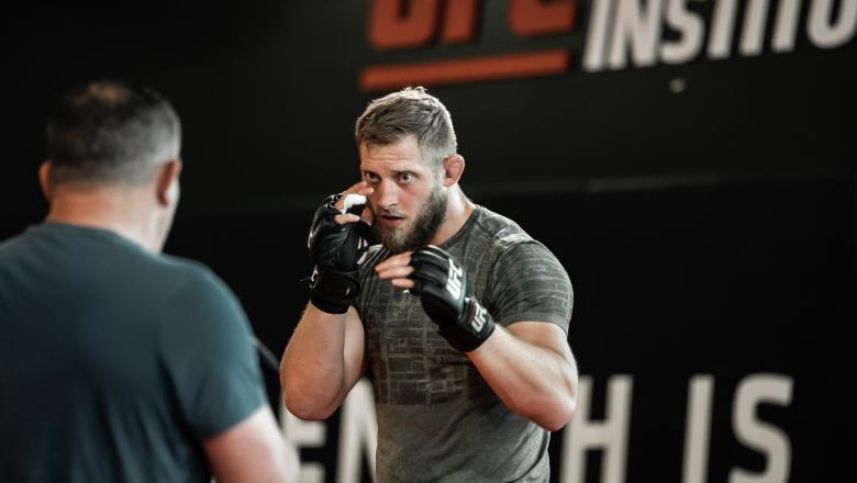 Marchin Prachnio of Poland prepares for his fight against Ike Villaneuva at UFC Fight Night: Gane vs Volkov at the UFC Performance Institute in Las Vegas, Nevada on June 23, 2021. (Photo by McKenzie Pavacich/Zuffa LLC)