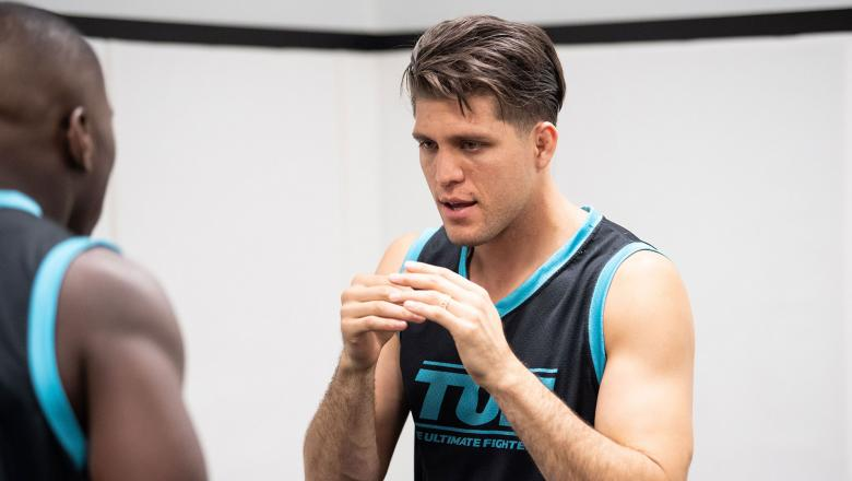 The Ultimate Fighter season 29 head coach and UFC featherweight Brian Ortega prepares middleweight Tresean Gore for his fight against Ryder Newman. (Chris Unger/Zuffa LCC)