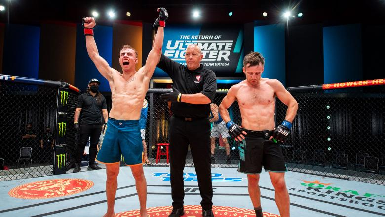 Bantamweight Brady Hiestand defeats Josh Rettinghouse on episode 7 of The Return of The Ultimate Fighter. (Photo by Chris Unger/Zuffa LLC)