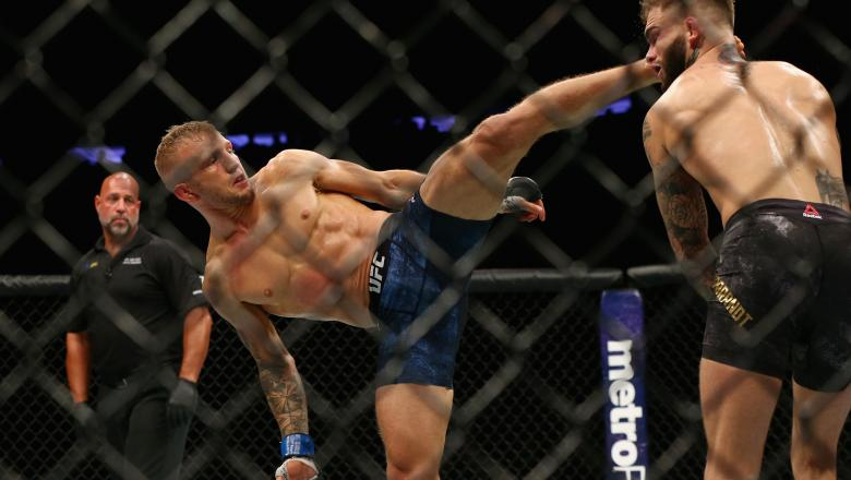 TJ Dillashaw fights Cody Garbrandt in their UFC bantamweight championship bout during the UFC 217 event at Madison Square Garden on November 4, 2017 in New York City. (Photo by Mike Stobe/Getty Images)