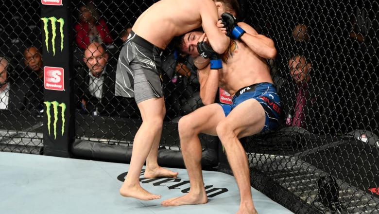 Zhalgas Zhumagulov aplica estrangulamento e vence Jerome Rivera no UFC 264