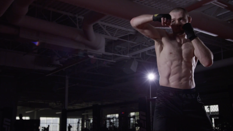 Jake Hadley trains ahead of his Dana White's Contender series bout on Season 5 Episode 7
