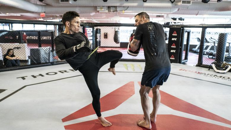 12 - Joseph Benavidez Pad workout ahead of his title fight at UFC Norfolk