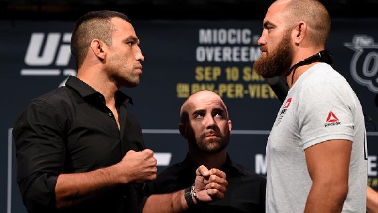 CLEVELAND, OH - SEPTEMBER 08:   (L-R) Opponents Fabricio Werdum of Brazil and Travis Browne face off during the UFC 203 press conference at Quicken Loans Arena September 8, 2016 in Cleveland, Ohio. (Photo by Josh Hedges/Zuffa LLC/Zuffa LLC via Getty Image