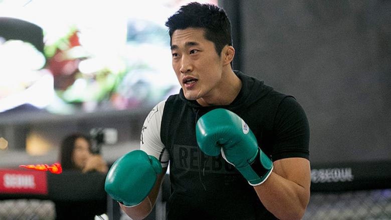 SEOUL, SOUTH KOREA - NOVEMBER 25:  Kim Dong-Hyun aka Dong Hyun Kim holds an open workout for fans and media during UFC Fight Night Open Workouts at Times Square on November 25, 2015 in Seoul, South Korea.  (Photo by Han Myung-Gu / Zuffa LLC/Zuffa LLC via
