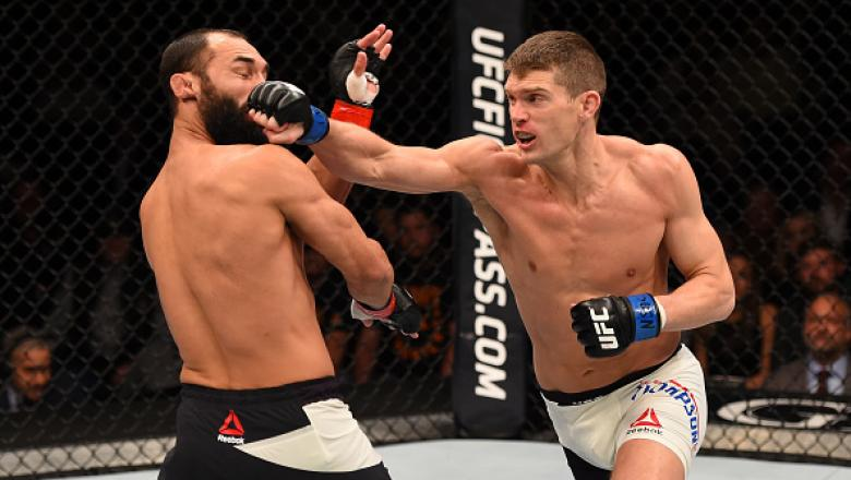 LAS VEGAS, NV - FEBRUARY 06:  (L-R) Johny Hendricks fights Stephen Thompson in their welterweight fight during the UFC Fight Night event at MGM Grand Garden Arena on February 6, 2016 in Las Vegas, Nevada.  (Photo by Josh Hedges/Zuffa LLC/Zuffa LLC via Get