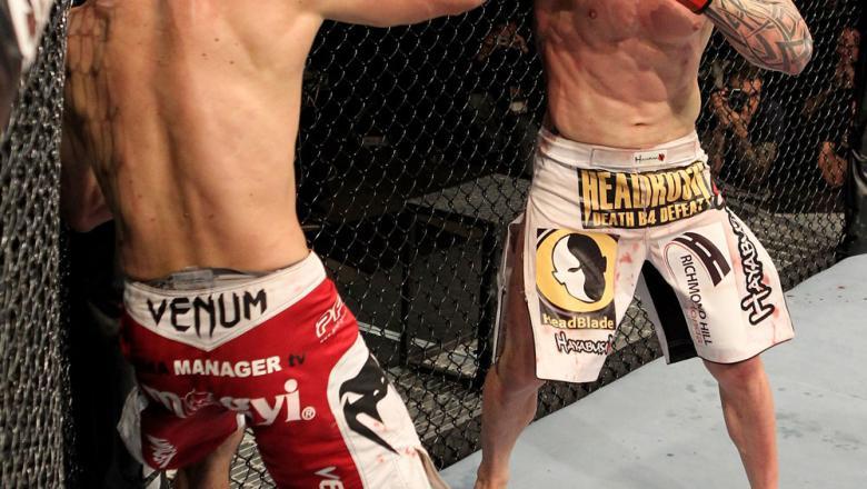 Krzysztof Soszynski of Canada fights Goran Reljic (L) of Croatia during their Light-Heavyweight UFC bout at the Konig Pilsner Arena on November 13, 2010 in Oberhausen, Germany. (Photo by Josh Hedges/Zuffa LLC/Zuffa LLC)
