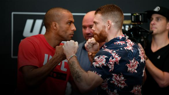 ABU DHABI, UNITED ARAB EMIRATES - SEPTEMBER 05: (L-R) Edson Barboza of Brazil and Paul Felder face off during the UFC 242 Ultimate Media Day at the Yas Hotel on September 5, 2019 in Abu Dhabi, United Arab Emirates. (Photo by Jeff Bottari/Zuffa LLC/Zuffa LLC via Getty Images)