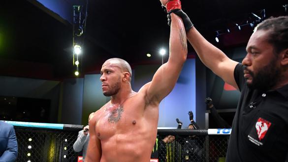 Em luta estudada, Ciryl Gane vence Alexander Volkov no UFC Vegas 30