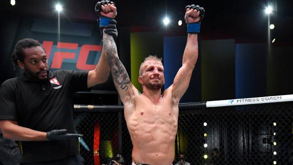 TJ Dillashaw supera Cory Sandhagen por decisão dividida no UFC Vegas 32