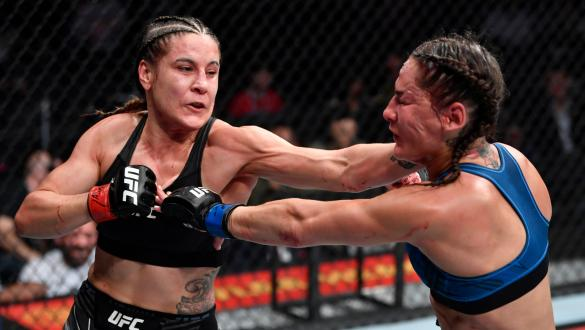 Jennifer Maia golpeia Jessica Eye no UFC 264