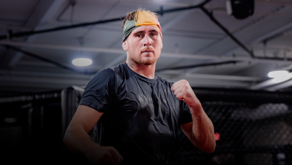 Darren Till trains at the UFC Performance Institute on September 1, 2021. (Photo by Zac Pacleb)