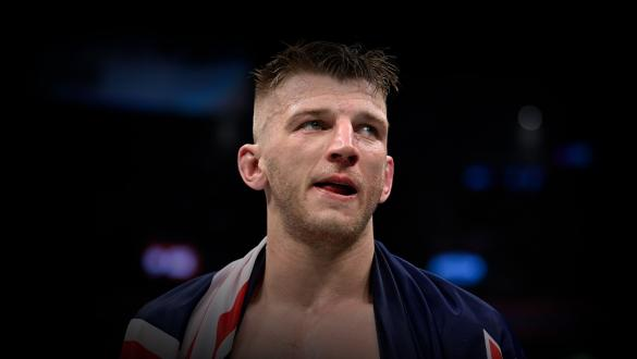 Dan Hooker of New Zealand waits for the jusdges' decision in his lightweight fight during the UFC 266 event on September 25, 2021 in Las Vegas, Nevada. (Photo by Jeff Bottari/Zuffa LLC)