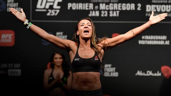 Amanda Ribas of Brazil poses on the scale during the UFC 257 weigh-in at Etihad Arena on UFC Fight Island on January 22, 2021 in Abu Dhabi, United Arab Emirates. (Photo by Jeff Bottari/Zuffa LLC)