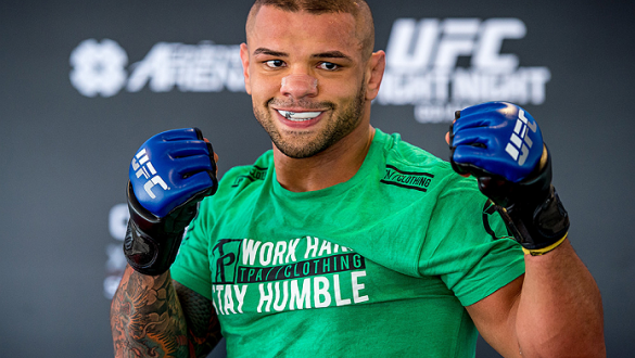GOIANIA, BRAZIL - MAY 28: Welterweight Thiago Alves of Brazil poses for a photo during an open training session for media at Flex Alphaville Gym on May 28, 2015 in Goiania, Brazil. (Photo by Buda Mendes/Zuffa LLC/Zuffa LLC via Getty Images)