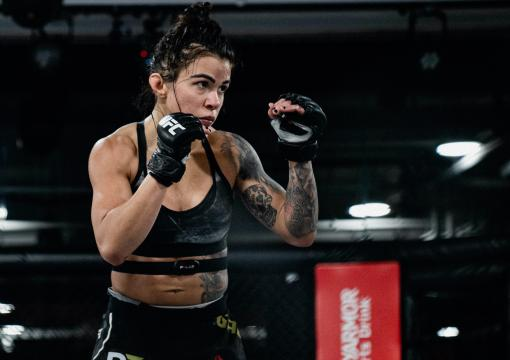 Claudia Gadelha training at the UFC Performance Institute on November 4, 2020. (Photo Credit: Zac Pacleb)