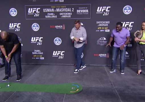 Daniel Cormier, Din Thomas, Laura Sanko and Dan Hellie Have A Putting Competition