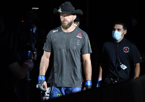 Donald Cerrone prepares to fight Anthony Pettis in their heavyweight fight during the UFC 249 event at VyStar Veterans Memorial Arena on May 09, 2020 in Jacksonville, Florida. (Photo by Jeff Bottari/Zuffa LLC)