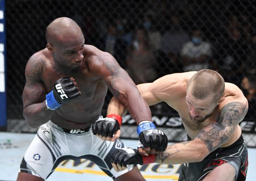 ared Gooden punches Niklas Stolze of Germany in a welterweight fight during the UFC Fight Night event at UFC APEX on July 31 2021 in Las Vegas Nevada. (Photo by Chris Unger/Zuffa LLC)
