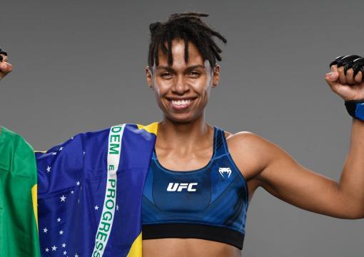 "Luana ""Dread"" Carolina, lutadora brasileira"