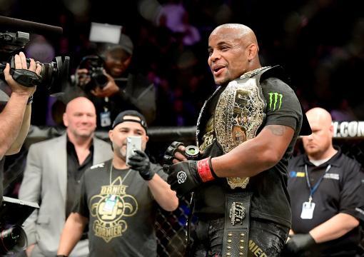 UFC230: Daniel Cormier mantém o cinturão dos pesados