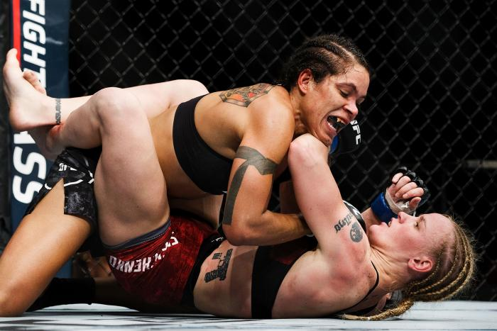 EDMONTON, AB - SEPTEMBER 09:  Amanda Nunes, top, fights Valentina Shevchenko during UFC 215 at Rogers Place on September 9, 2017 in Edmonton, Canada. (Photo by Codie McLachlan/Getty Images)