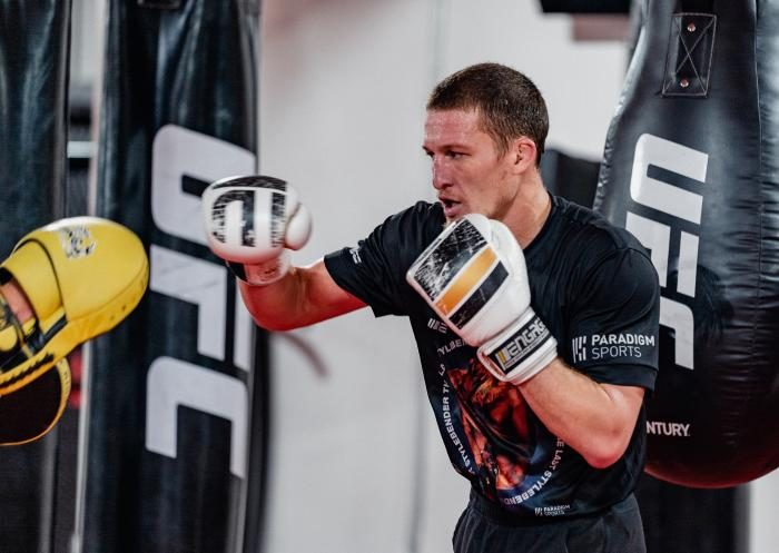 Shane Young trains at the UFC Performance Institute on March 17, 2021. (Photo by Zac Pacleb)