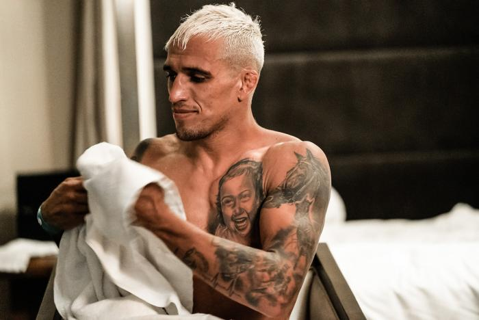 Charles Oliveira prepares at the athlete hotel for his UFC lightweight title fight against Michael Chandler at UFC 262 on May 15, 2021 in Houston, Texas. (Photo by McKenzie Pavacich/Zuffa LLC)