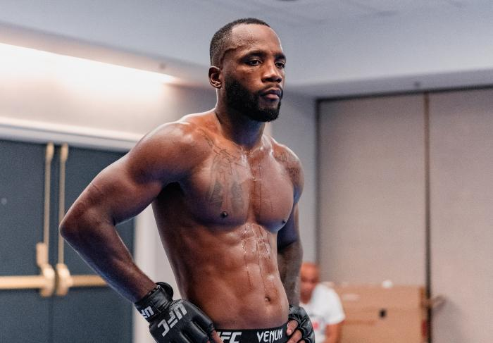 Leon Edwards prepares for his bout at UFC 263 on June 9, 2021. (Photo by Zac Pacleb)