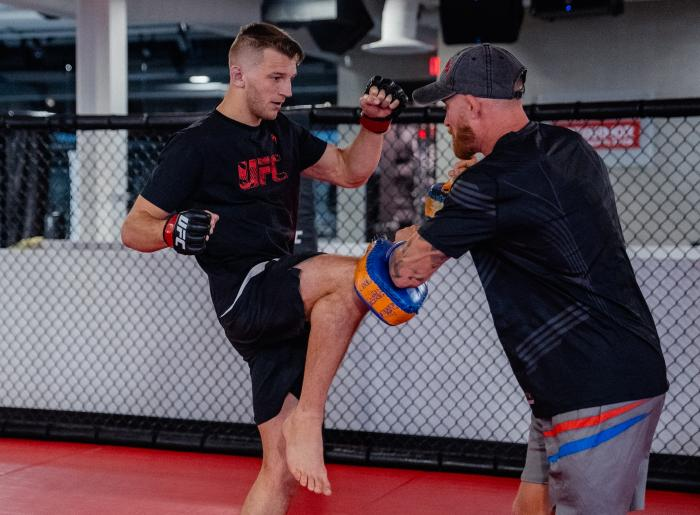 Dan Hooker trains at the UFC Performance Institute on October 9, 2021. (Photo by Zac Pacleb)