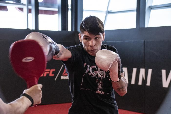 Ignacio Bahamondes training for his debut at the UFC PI