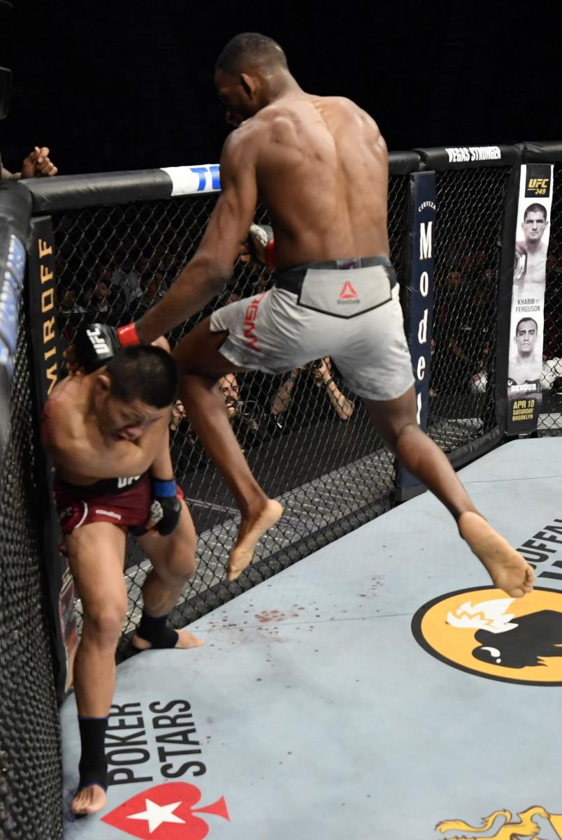Neil Magny knees Li Jingliang of China in their welterweight fight during the UFC 248 event at T-Mobile Arena on March 07, 2020 in Las Vegas, Nevada. (Photo by Jeff Bottari/Zuffa LLC)