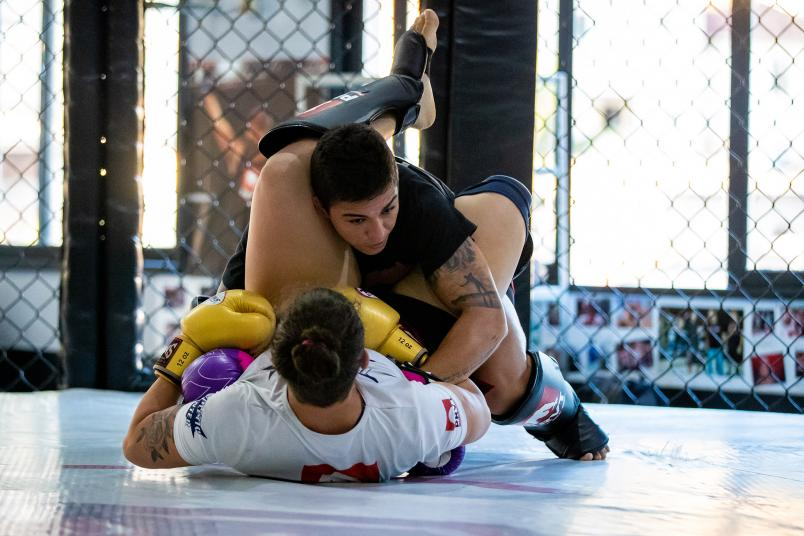 """Jessica Andrade """"Bate Estaca"""" of PRTV team in action during a training session amidst the coronavirus (COVID-19) pandemic at PRVT - Parana Vale Tudo gym on August 7, 2020 in Niteroi, Brazil. Andrade competes in the strawweight division and is the first Brazilian woman to fight for the UFC, currently #2 in the UFC women's strawweight rankings. (Photo by Buda Mendes/Getty Images)"""