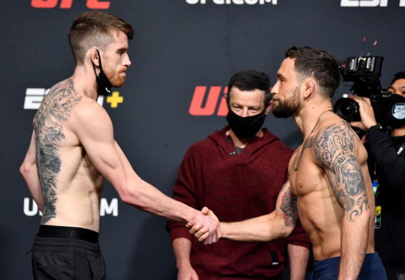 Cory Sandhagen and Frankie Edgar face off during the UFC weigh-in at UFC APEX on February 05, 2021 in Las Vegas, Nevada. (Photo by Chris Unger/Zuffa LLC)