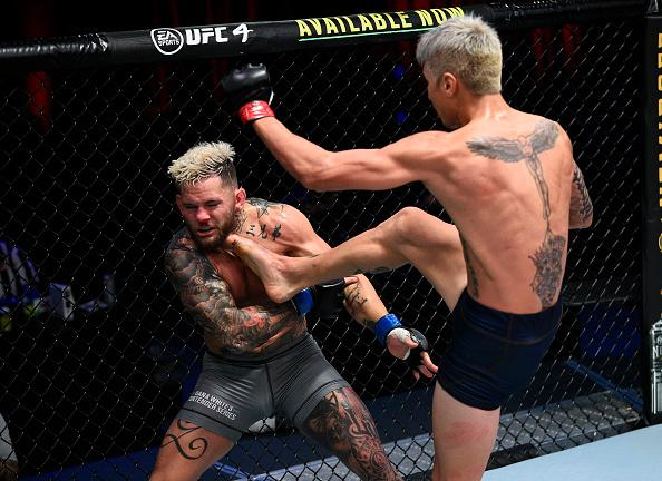 Luis Saldana kicks Vince Murdock in a featherweight fight during Dana White's Contender Series season four, week eight at UFC APEX on November 04, 2020 in Las Vegas, Nevada. (Photo by Chris Unger/DWCS LLC/Zuffa LLC)