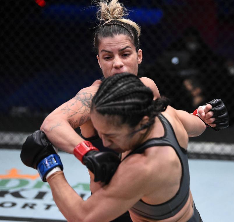 Luana Pinheiro punches Stephanie Frausto in their strawweight fight during Dana White's Contender Series season four, week nine at UFC APEX on November 10, 2020 in Las Vegas, Nevada. (Photo by Chris Unger/DWCS LLC/Zuffa LLC)
