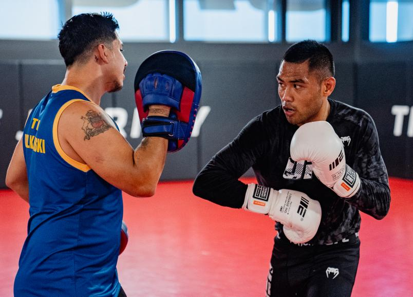 Josh Culibao trains at the UFC Performance Institute on May 19, 2021. (Photo by Zac Pacleb)