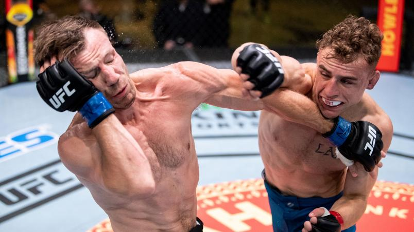 Brady Hiestand of Team Volkanovski fights Josh Rettinghouse of Team Ortega on episode seven of The Return of The Ultimate Fighter. (Photo by Chris Unger/Zuffa LLC)