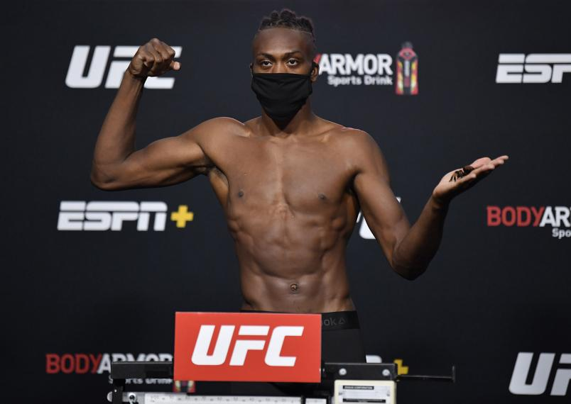 Jalin Turner poses on the scale during the UFC Fight Night weigh-in at UFC APEX on September 11, 2020 in Las Vegas, Nevada. (Photo by Jeff Bottari/Zuffa LLC)